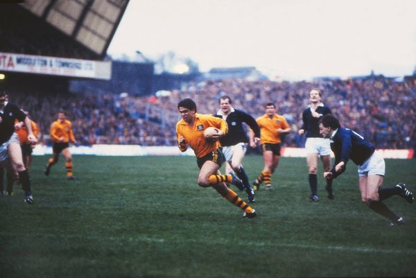 Mark Ella (Aus) scores his record breaking try. Scotland v Australia. @ Murrayfield 08/12/84 Rugby Union 1984 / 5 Tour. Credit: Colorsport
