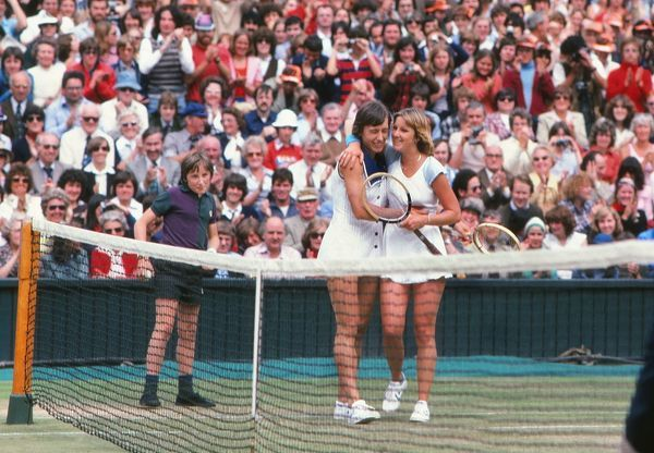Tennis - Wimbledon Tennis Championships 1978 - Ladies Singles Final Martina Navratilova (Winner) is congratulated by Chris Evert at the net at the end of the match