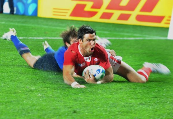 Wales v France ; Auckland; RWC 1/2 Final  Wales try : Mike Phillips goes over for their second half try