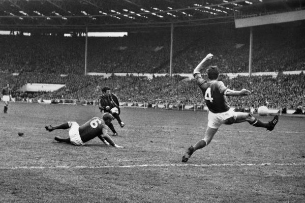 Neil Young - Manchester City, scores the City winning goal from a Summerbee cross. Manchester CIty v Leicester City F.A Cup Final 1969 Wembley 26/04/1969 Credit: Colorsport