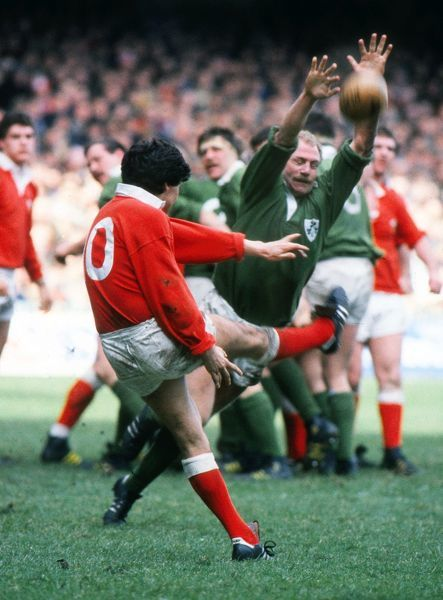 Rugby Union - 1985 Five Nations Championship - Wales 9 Ireland 21 Wales' Gareth Davies has his kick charged down by Ireland's Nigel Carr at Cardiff Arms Park. 16/03/1985