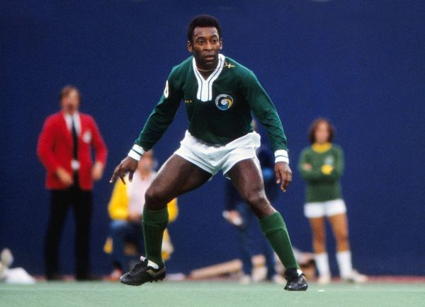 Football Pele (Cosmos) Pele's farewell game. Cosmos v Santos, Giants Stadium, New York, 01/10/1977