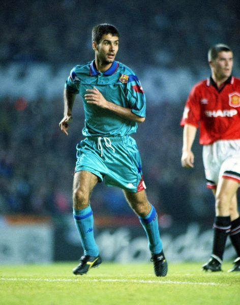 PEPE GUARDIOLA - BARCELONA. MANCHESTER UNITED v BARCELONA, EUROPEAN CHAMPIONS LEAGUE, 19/10/1994. CREDIT COLORSPORT / ANDREW COWIE