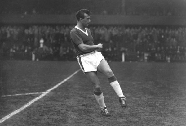 Football - 1960 / 1961 First Division - Preston North End 1 Everton 0    Everton's Peter Kavanagh, at Deepdale.    He made six first team appearances for the club, all in the 1960/1 season, before injury ended his career.    25/02/1961