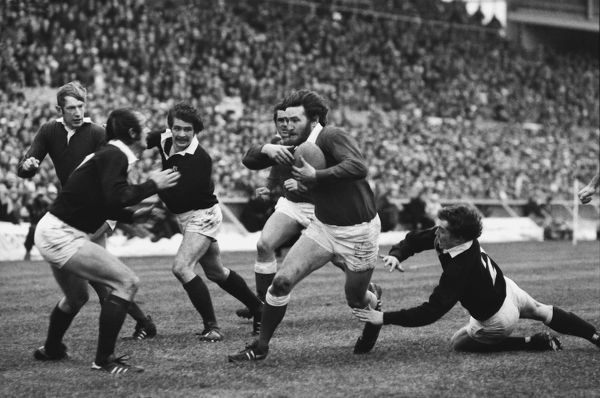 Ray Gravell - Wales powers forward to score his try. Wales v Scotland, 18/02/78. 5 Nations Rugby Championships 1978 Credit: Colorsport