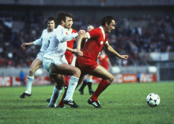 Football - 1981 European Cup Final - Liverpool 1 Real Madrid 0 Liverpool's Ray Kennedy on the ball at the Parc des Princes, Paris. 27/05/1981