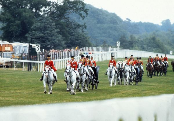 Horse racing : The Royal procession brings HRH The queen to the races. Royal Ascot 21/06/1973 Credit: Colorsport
