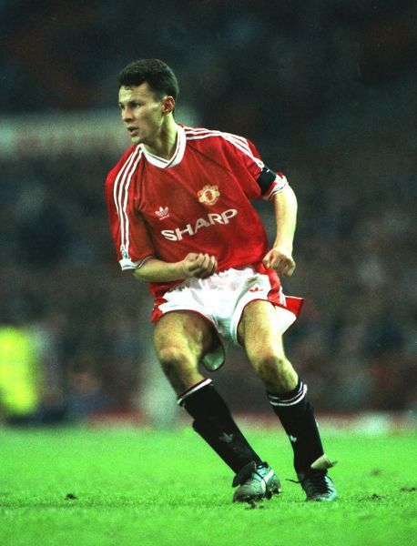 Football - 1990 / 1991 First Division - Manchester United 0 Everton 2 Ryan Giggs, making his first team debut for Manchester United after coming on as a substitute for Denis Irwin, at Old Trafford. 02/03/1991