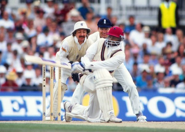 Cricket - 1995 West Indies Tour of England - Sixth Test, Match Drawn Shivnarine Chanderpaul on the way to 80 for the West Indies, with wicketkeeper Jack Russell and slip fielder Graeme Hick behind at The Oval
