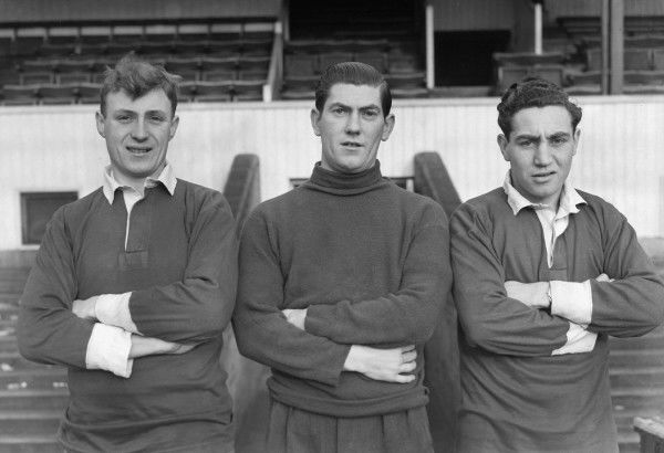 Smith, Sonny Feehan (goalkeeper, also played for Manchester United ) Maxwell ( Northampton Town ) 1950 / 51 season Credit : Colorsport