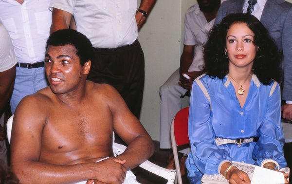 Boxing - World Heavyweight Championship [WBA] Title Fight - Leon Spinks vs. Muhammad Ali II     Muhammad Ali and wife Veronica Porsche prior to his re-match with Spinks and his bid to win the world title for a third time.     13/09/1978