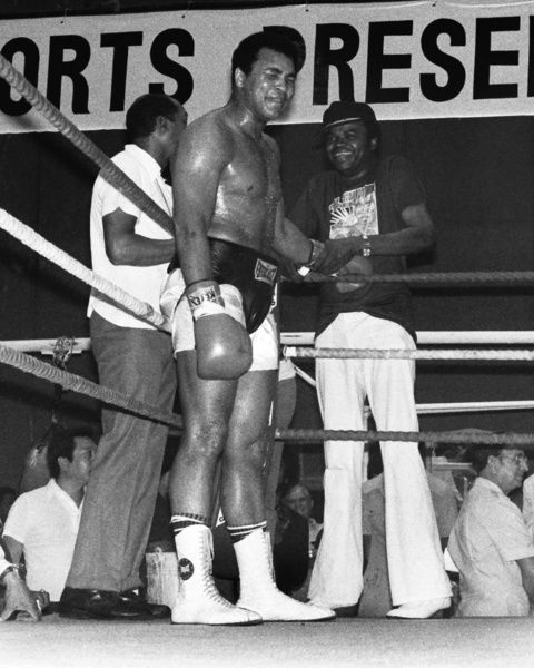 Boxing - World Heavyweight Championship [WBA] Title Fight - Leon Spinks vs