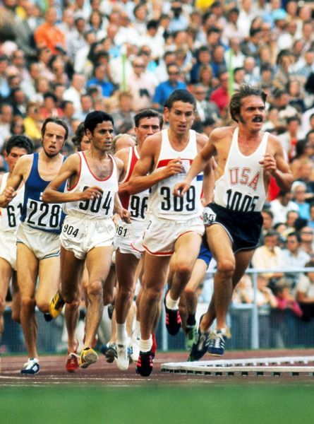 Athletics - 1972 Munich Olympics - Men's 5000m Final USA's Steve Prefontaine (1005) leads with Great Britain's Ian Stewart (309) behind in the Olympiastadion, Munich, West Germany