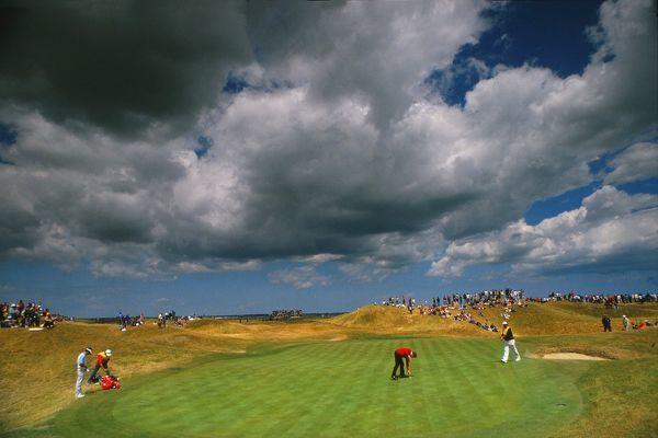 A storm looms during the 1985 Open Championship