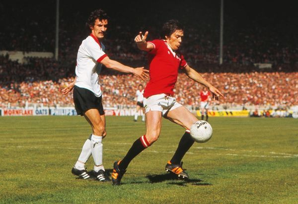 Stuart Pearson and Terry McDermott - 1977 FA Cup Final