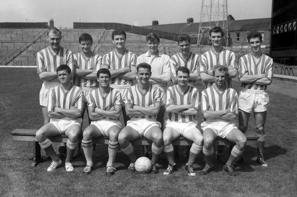 Football - 1962 / 1963 season - Sunderland Team Group Back Row (left to right): C. Irwin, S. Anderson, Charlie Hurley, Jim Montgomery, Len Ashurst, W. McPheat, J. McNab. Front: H. Hooper, G. Herd, Brian Clough, A. Fogarty, J. Overfield