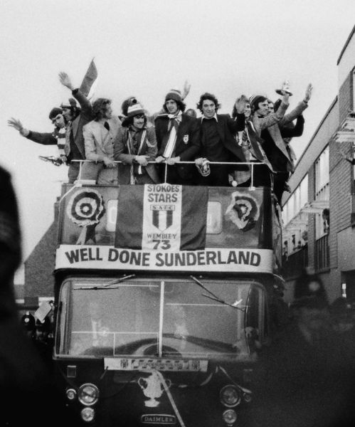 The Sunderland team arrive back at Roker Park on the open top bus, after their FA Cup Final victory over Leeds United. 1973 FA Cup Homecoming after the FA Cup Final v Leeds United. 07/05/1973 Credit : Colorsport