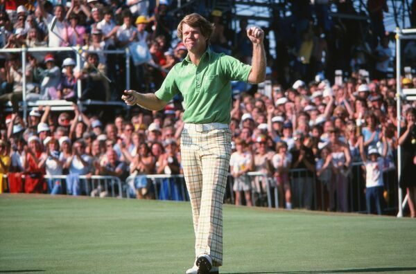 Golf - The Open Championship 1977 - Final round - 09/07/1977 Tom Watson sinks his putt to win the Open Championship. Credit: Colorsport