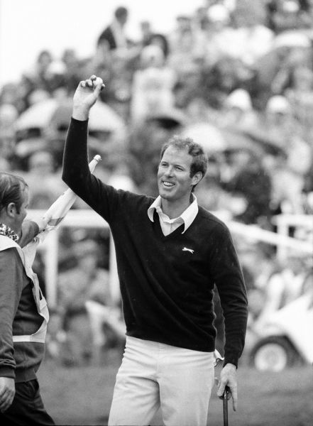 Golf Tom Weiskopf (USA) celebrates winning the British Open Golf Championships @ Troon 1973 14/07/1973 Credit : Colorsport