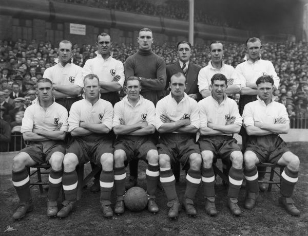 Football - 1937 / 1938 season - Tottenham Hotspur Team Group Back (left to right): Ralph Ward, Albert Page, Percy Hooper, Arthur Rowe, Albert Gibbons, Vic Buckingham. Front: Frederick Sargeant, Joseph Meek, William 'Bill' Whatley, Isaac Spelman