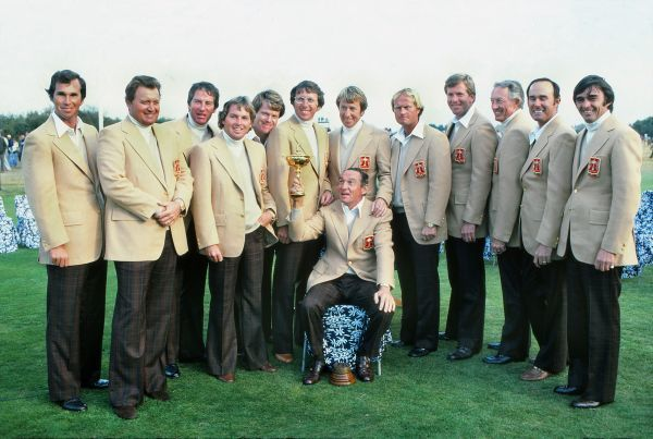 Golf - Ryder Cup 1977 @ Royal Lytham St. Anne's - USA (12 and a half) vs. Great Britain (7 and a half) and Ireland American team winners : Dow Finsterwald (front) with the trophy (USA Captain)  L to R : Hubert Green, Ray Floyd, Dave Stockton