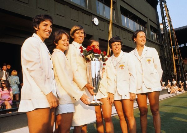 Tennis - 1970 Wightman Cup - Wimbledon The victorious USA team with the trophy