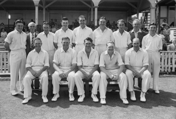 Cricket - Warwickshire county cricket club - T. Pritchard's Benefit Back Row (left to Right): R. Hitchcock, G. Austin (Scorer), Don Taylor, R. Weeks, A. Townsend, F. Gardner, R. Spooner, J. Smith, P. Bromley Front Row (left to right) J. Ord, H
