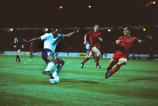 Football - 1988 / 1989 World Cup Qualifier - UEFA Group Two: England 5 Albania 0     David Rocastle of England, at Wembley.     26/04/1989