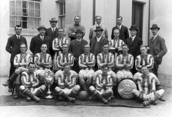 Football - 1919 / 1920 season - West Bromwich Albion team group The WBA team that were the 1920 Division One League Champions. Back (left to right): Barber (trainer), Harold Pearson, Gopsill, G. Smith (assistant secretary). Standing: Fred Everiss (Secretary)