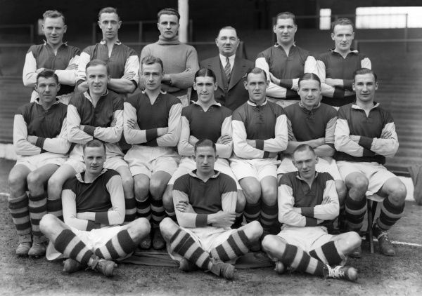 Football - 1935 / 1936 season - West Ham United Team Group Back (left to right): Alfred George 'Alf' Chalkey, Charlie Bicknell, Herman Conway, Charlie Paynter (Manager), Jim Barrett, Albert Walker. Middle row: Dave Mangnall, Dr Jimmy Marshall