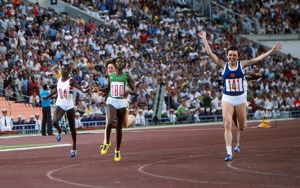 Barbel Wockel wins the 200m at the 1980 Moscow Olympics
