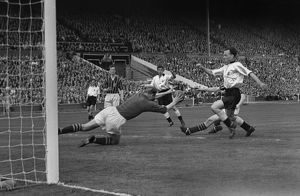 Bert Trautmann injury incident - 1956 FA Cup Final