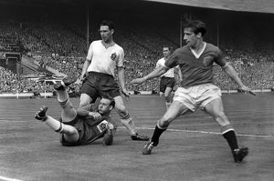 Dennis Viollet and Eddie Hopkinson - 1958 FA Cup Final