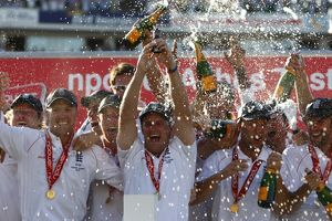 England win the Ashes 2009