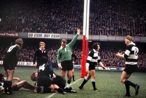 Fergus Slattery scores for the Barbarians against the All Blacks in 1973