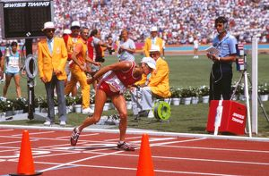 Gabriela Andersen-Schiess struggles to complete the marathon - 1984 Los Angeles Olympics