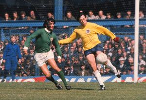 George Best and Gordon Banks - 1971 British Home Championship