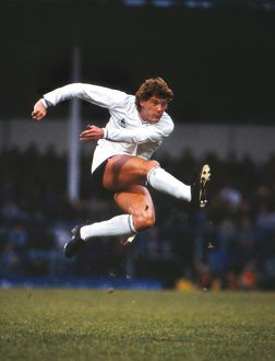 Glenn Hoddle shoots in the 1983 UEFA Cup