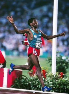 Haile Gebrselassie wins the 10,000m - 1996 Atlanta Olympics