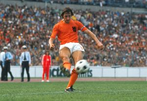 Johan Cruyff crosses the ball at the 1974 World Cup