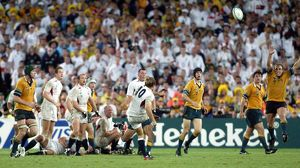 Jonny Wilkinson kicks the winning drop goal in the 2003 World Cup Final
