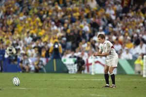 Jonny Wilkinson prepares to take a kick during the 2003 World Cup Final