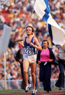 Lasse Viren completes the 5000m/10000m double at the 1972 Munich Olympics