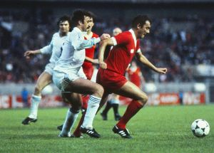 Liverpool's Ray Kennedy and Real's Vicente Del Bosque - 1981 European Cup Final
