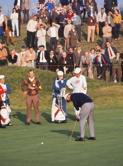 Mille Barber putts at the 1969 Ryder Cup