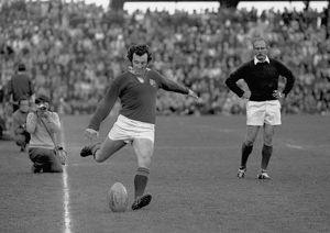 Phil Bennett kicks for the British Lions against Natal in 1974