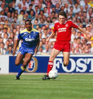 Ray Houghton & Laurie Cunningham - 1988 FA Cup Final