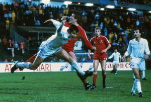 Real Madrid's Jose Antonio Camacho challenges Aberdeen's Mark McGhee - 1983
