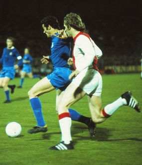 Real Madrid's Jose Luis is chased by Ajax's Piet Keizer