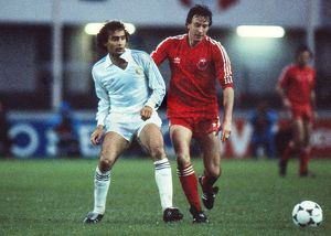 Real Madrid's Ricardo Gallego and Aberdeen's Neil Simpson - 1983 Cup Winners&#39